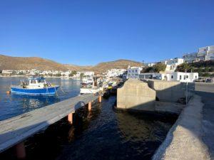 port na wyspie folegandros